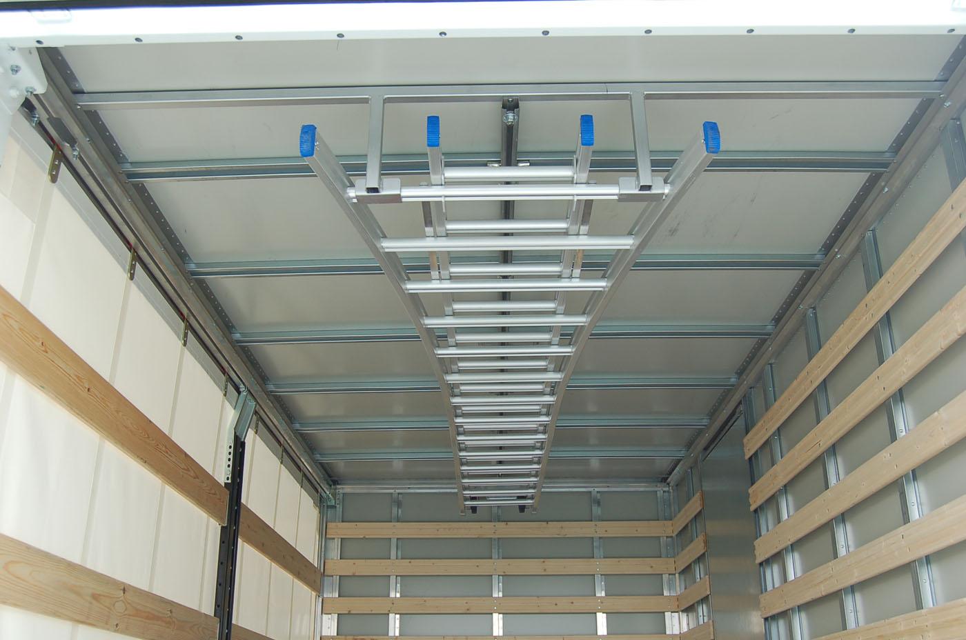 Ladder-tegen-Dak