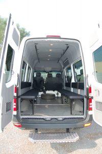 Ombouw-tot-bureelwagen-200x300