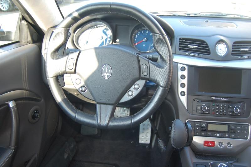 Handbediend-gas-rem-Maserati