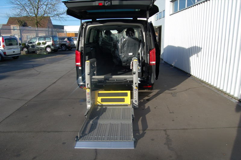 Rolstoellift-in-Mercedes-V-klasse